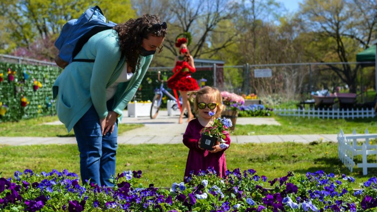 Make Mother's Day Memorable at Queens Botanical Garden